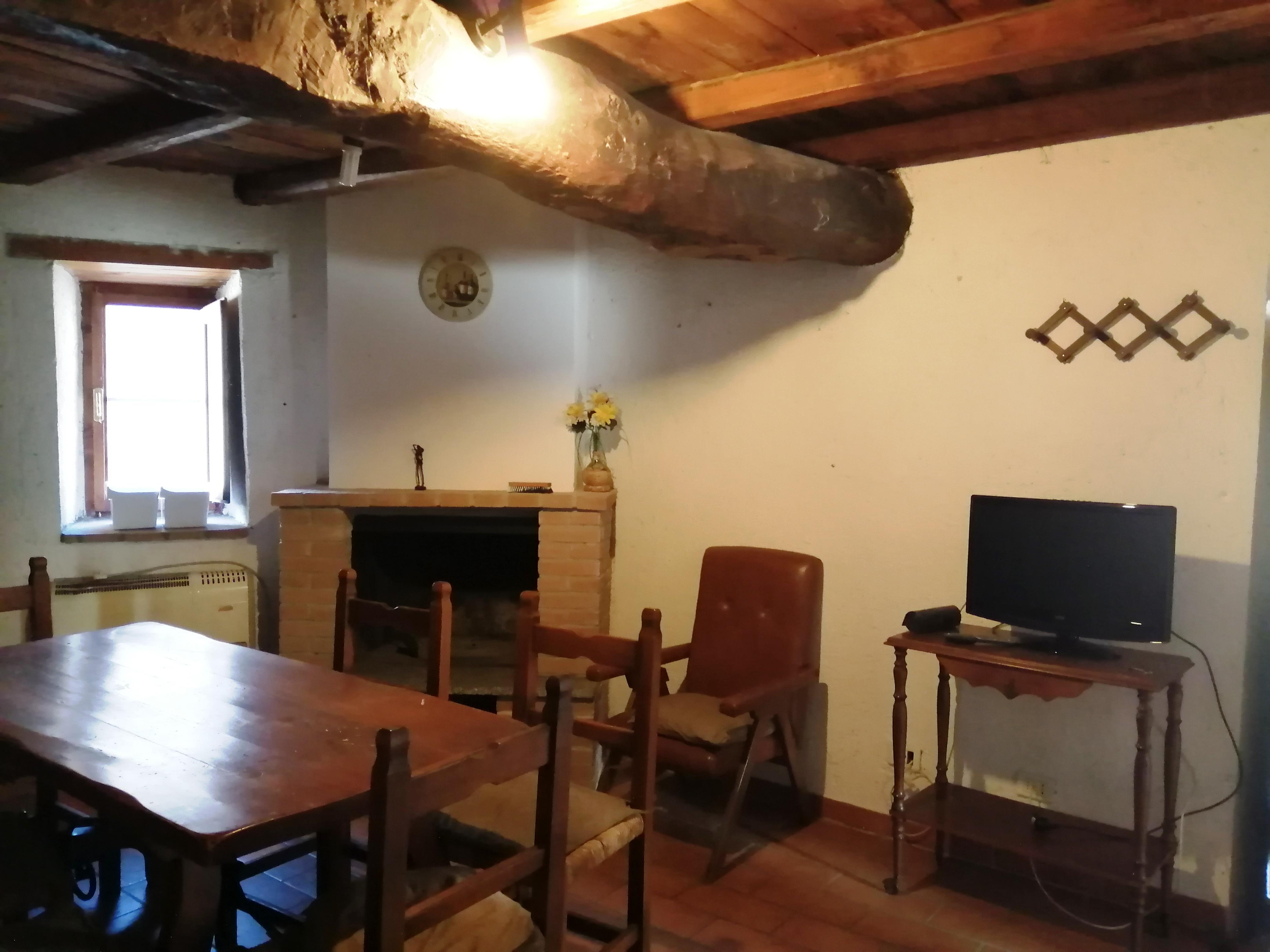 Campello sul Clitunno, abitazione tipica