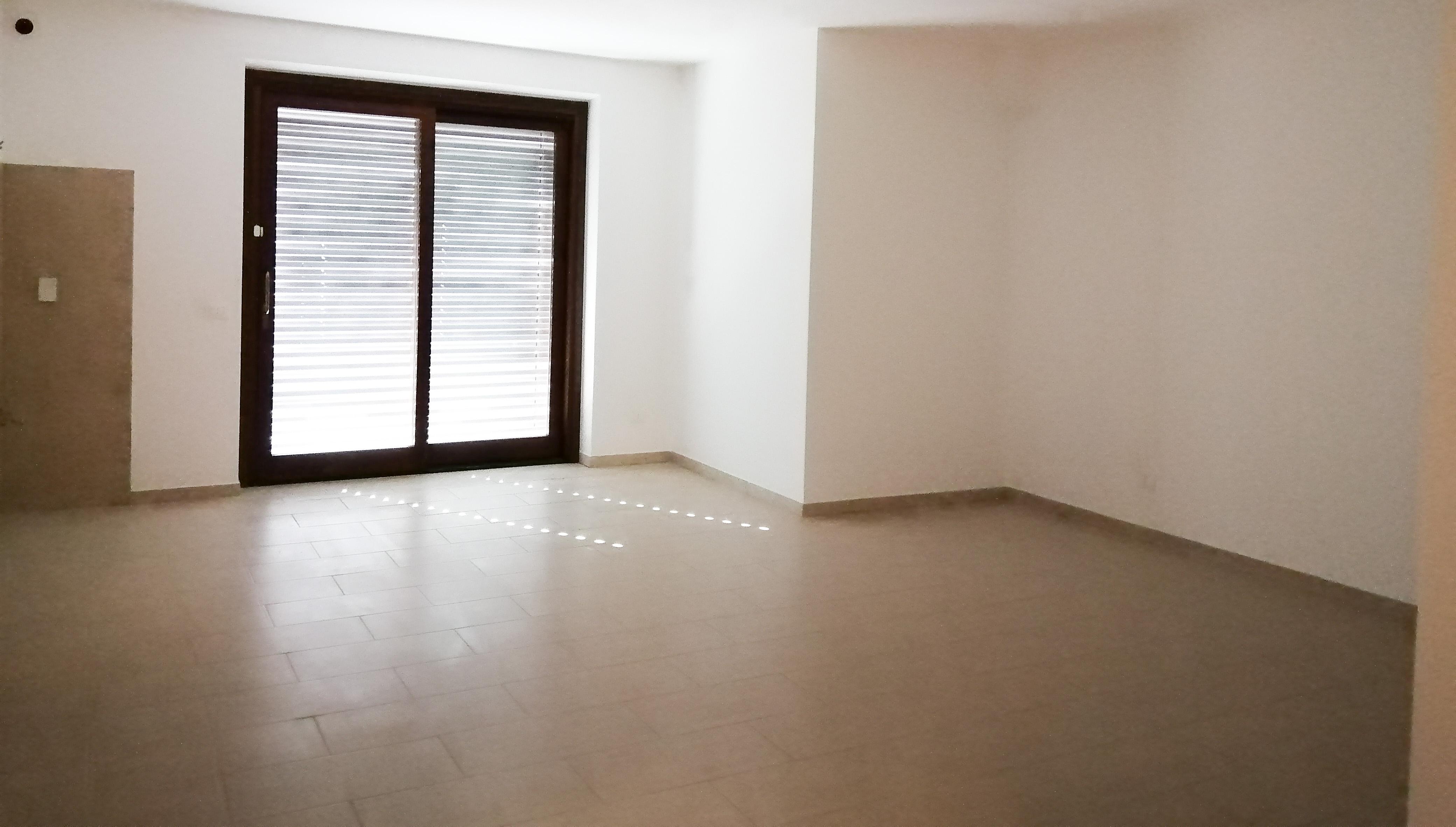 Piazza Garibaldi, appartamento con corte esclusiva e garage