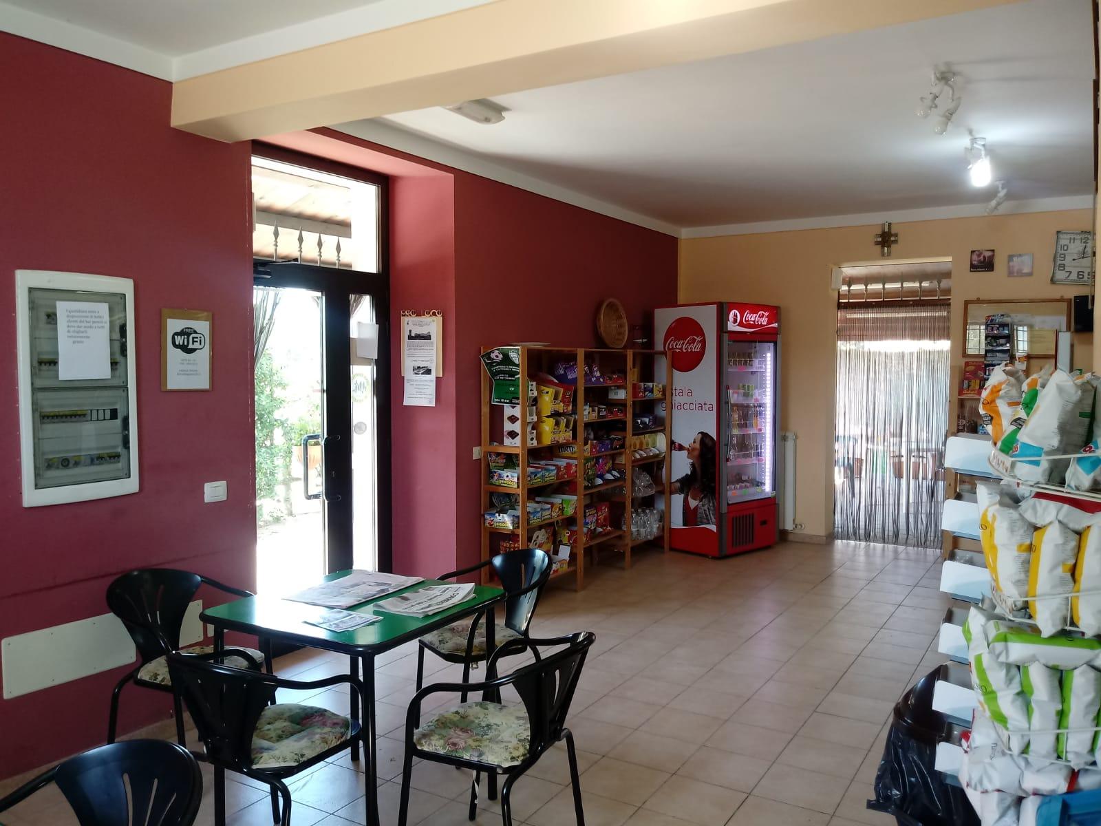 CASTEL SAN GIOVANNI, Attività bar/tabacchi